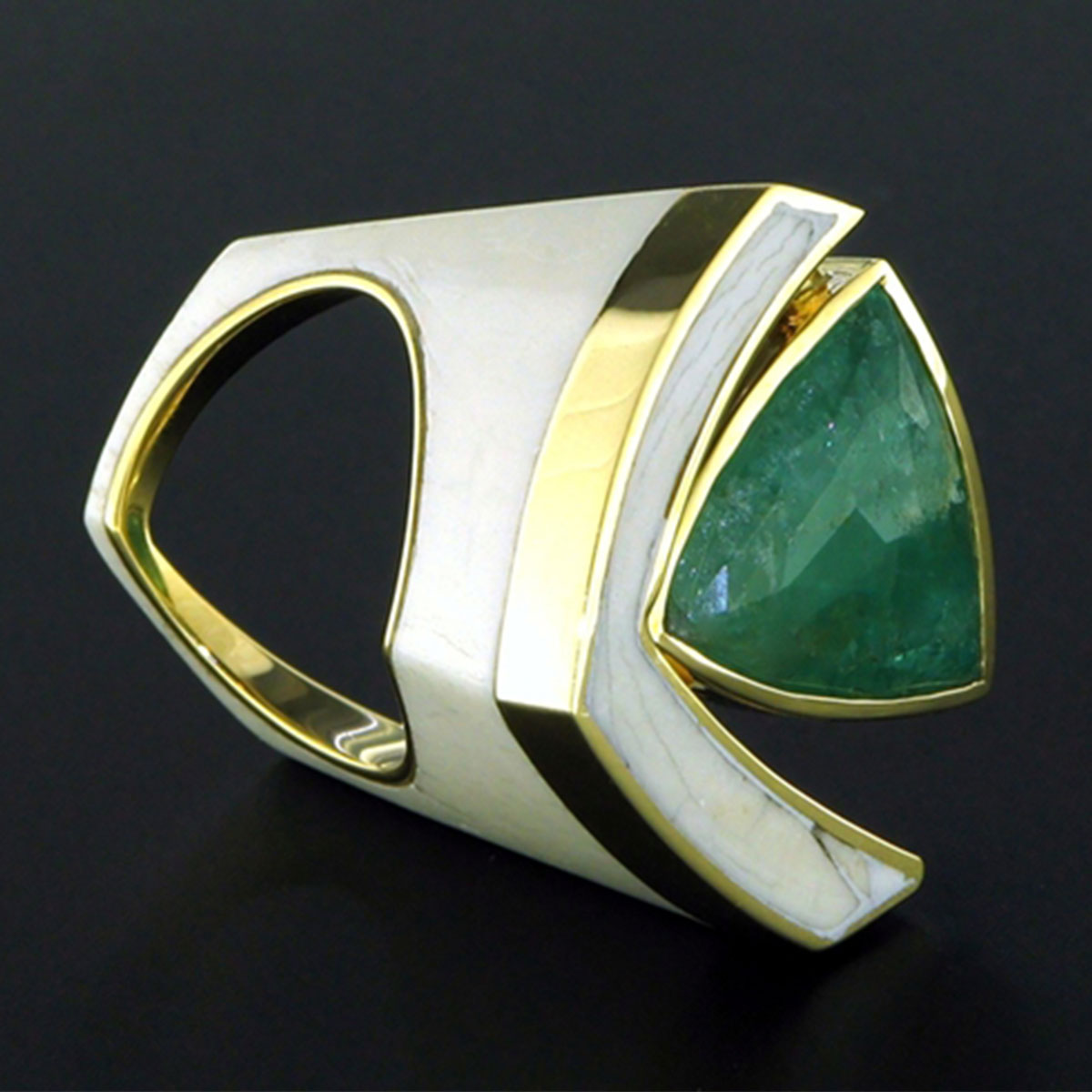 Ring Beryl Buffalo's bone Gold 8K